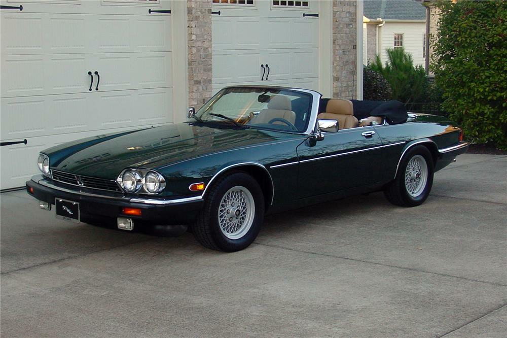 picture-of-xj-black-convertible-jaguar-naked-skinny-redhead-women