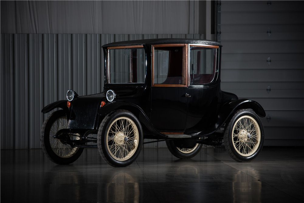 1918 Milburn Electric Car Front 3 4 197198
