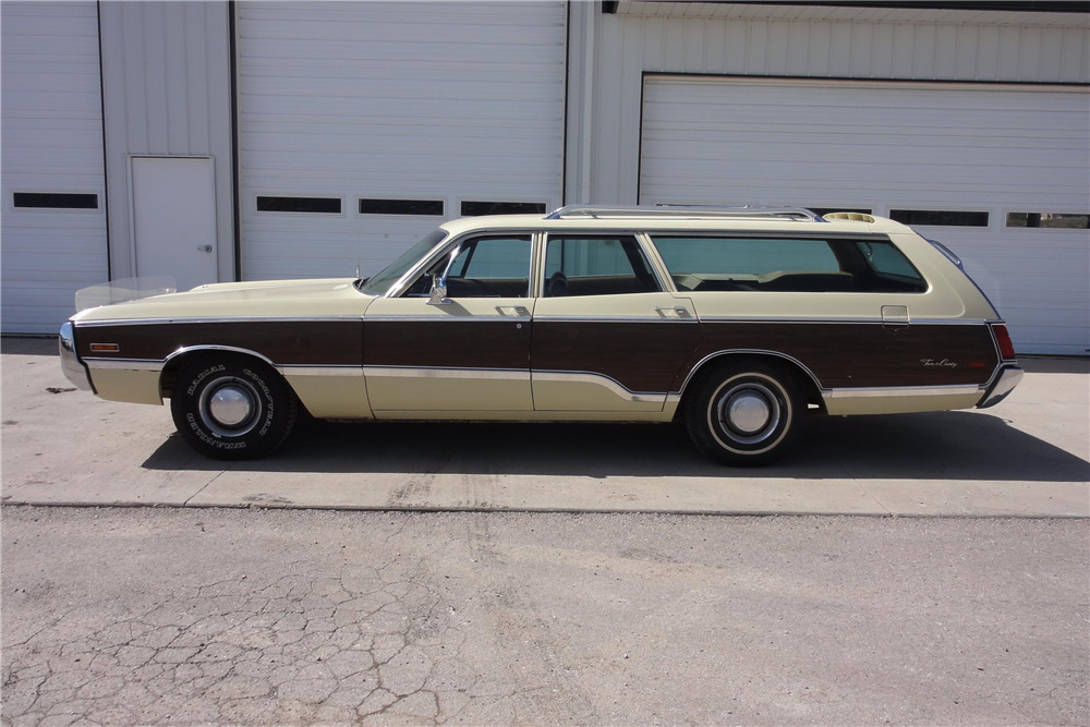 Town And Country >> 1970 Chrysler Town Country