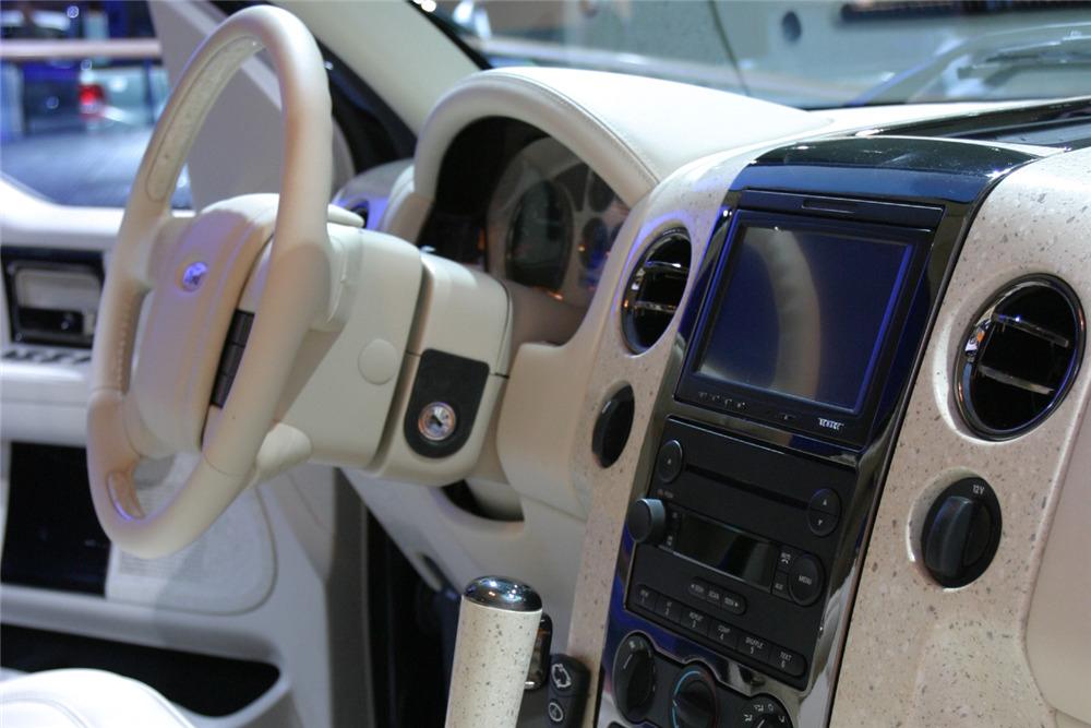 2004 Ford F 150 Custom Pickup