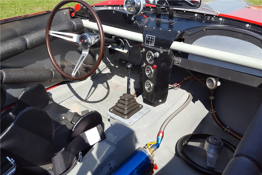 1966 CHEVROLET CORVETTE RACE CAR