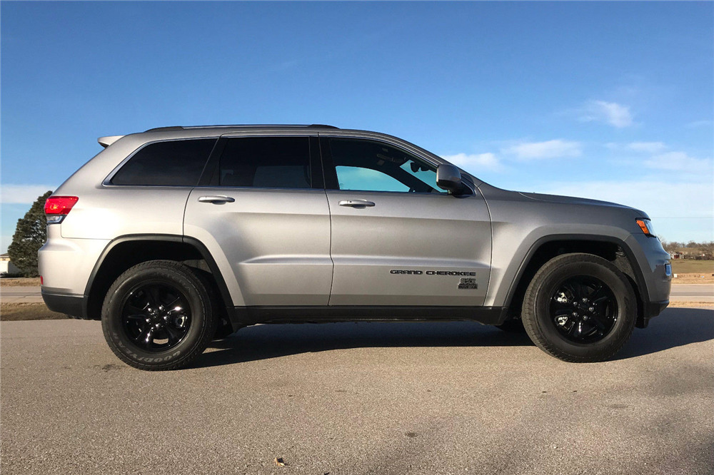 Custom Jeep Grand Cherokee >> 2017 Jeep Grand Cherokee Custom Suv