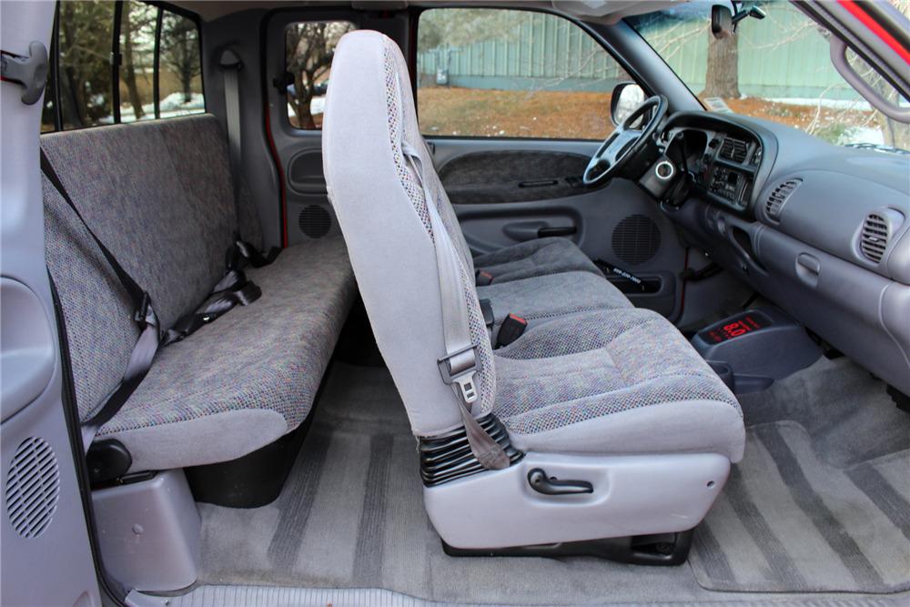 1999 Dodge Ram 1500 Custom Pickup Interior 230300