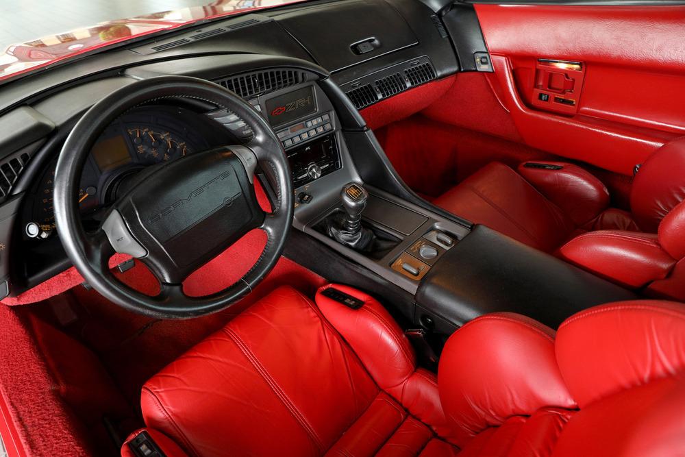 Corvette C4 (1984-1996)  241967_Interior_Web