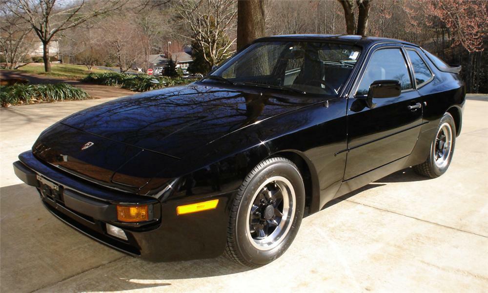 1983 porsche 944 coupe -
