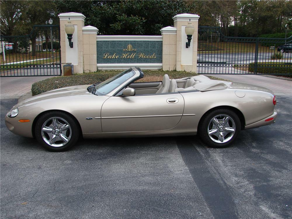 1999 Jaguar Xk 8 2 Door Convertible Front 3 4 89583